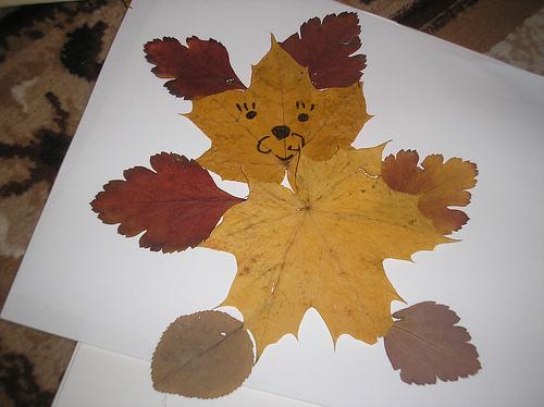 Steelhigh А дорисуй немного вокруг фигурки из листьев, вот.