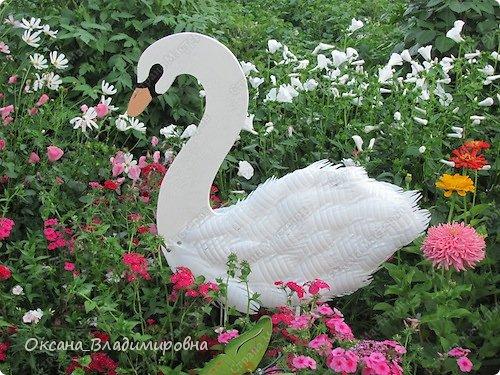 Лебедь своими руками для сада из пластиковых бутылок